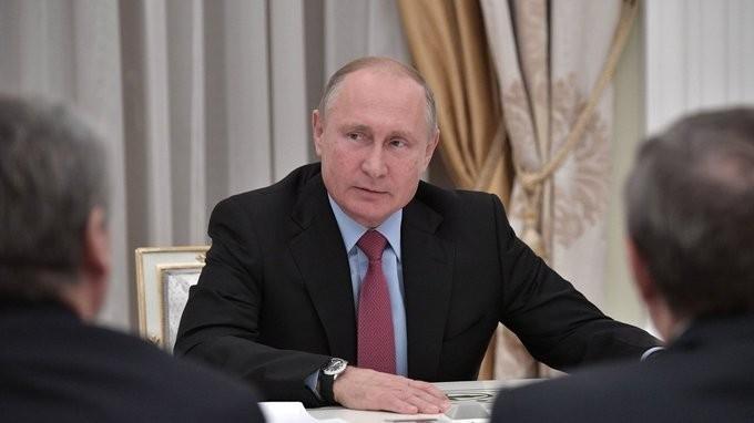 Владимир Путин встретился с ушедшими в отставку главами регионов России