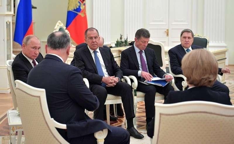 Напереговорах сПрезидентом Молдовы Игорем Додоном.