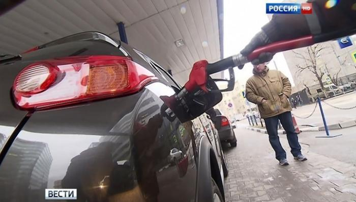 Нефтяники приняли ультиматум Правительства и заморозят цены