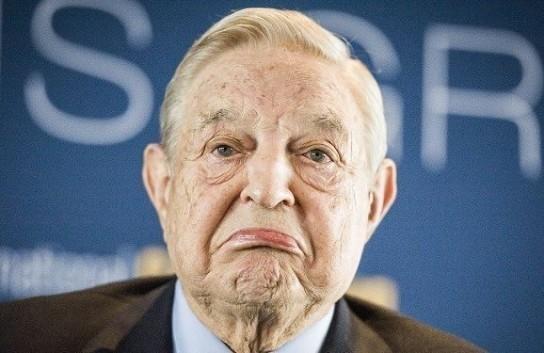 Дональд Трамп обвинил Джорджа Сороса в финансировании каравана мигрантов, следующего в США