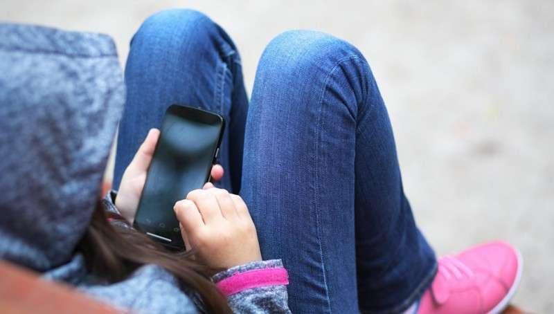 Исследование подтвердило опасность смартфонов для психики детей