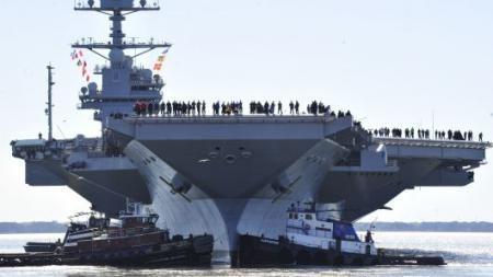 Авианосец ВМС США «Форд» был введён в строй без бомбоподъёмников
