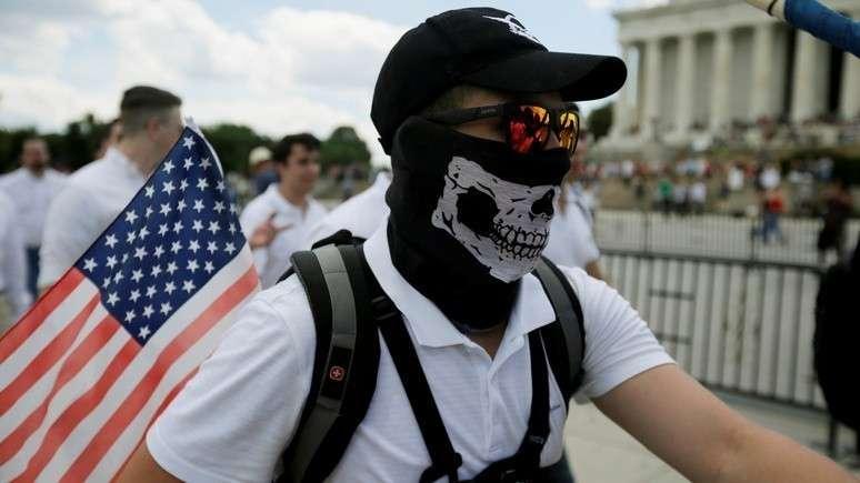 Белая раса в США начинает понимать, что скоро её сомнут