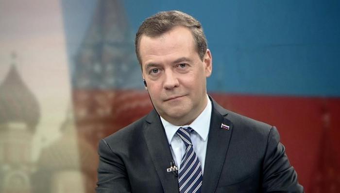 Дмитрий Медведев рассказал китайцам о «мирной войне»