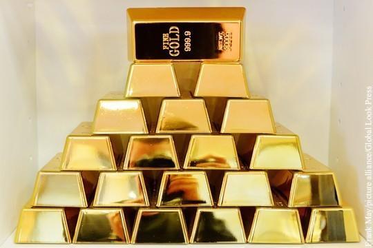 Банк Англии отказался возвращать золотой запас Венесуэлы