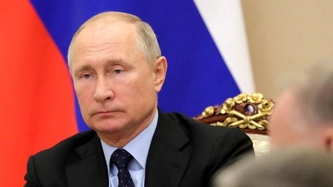 Путин провёл заседание Комиссии по вопросам военно-технического сотрудничества 06.11.18