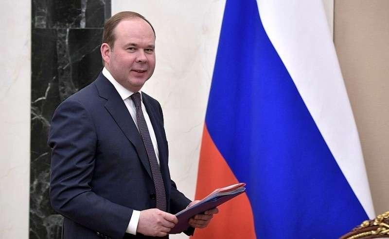 Руководитель Администрации Президента Антон Вайно перед началом совещания спостоянными членами Совета Безопасности.
