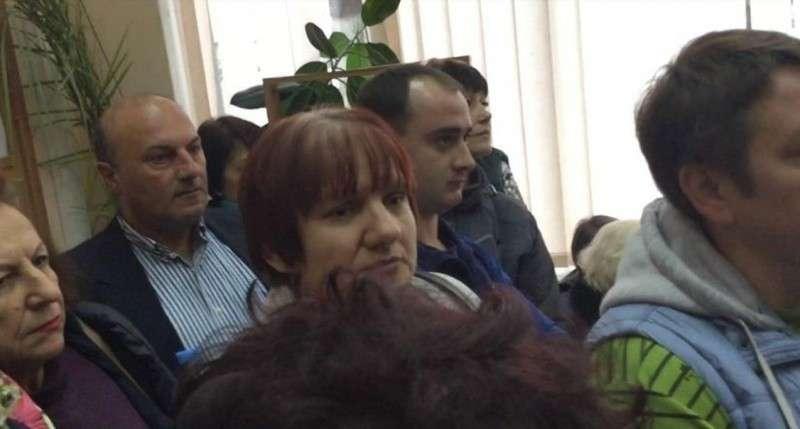 Правительство Севастополя атаковали 200 торговцев со Сталинградского рынка