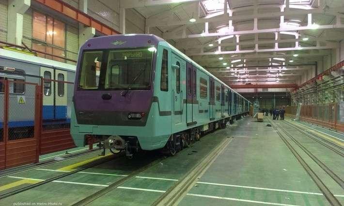 Вагоны метро сосквозным проходом 760 серии для Московского метрополитена