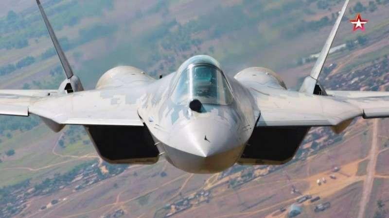 Су-57 в полёте крупным планом – уникальные кадры с рампы Ан-12