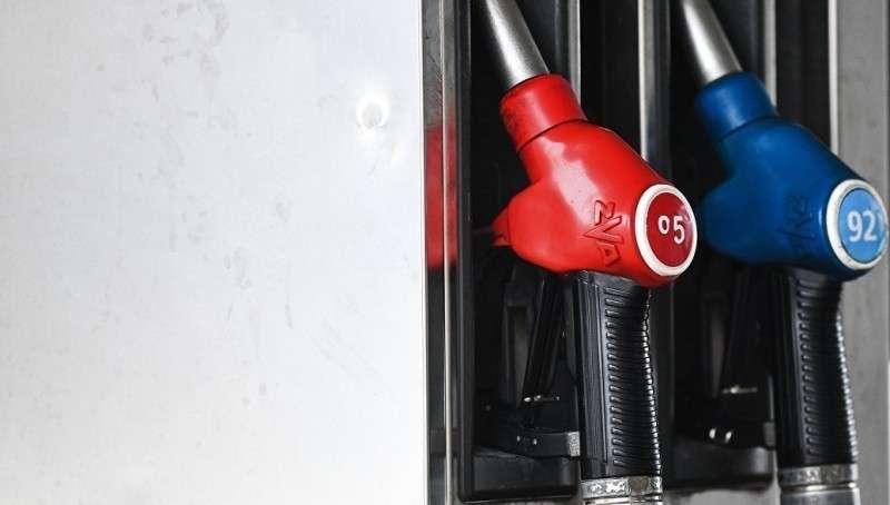 Нефтекомпаниями скрыто вводятся наценки на бензин