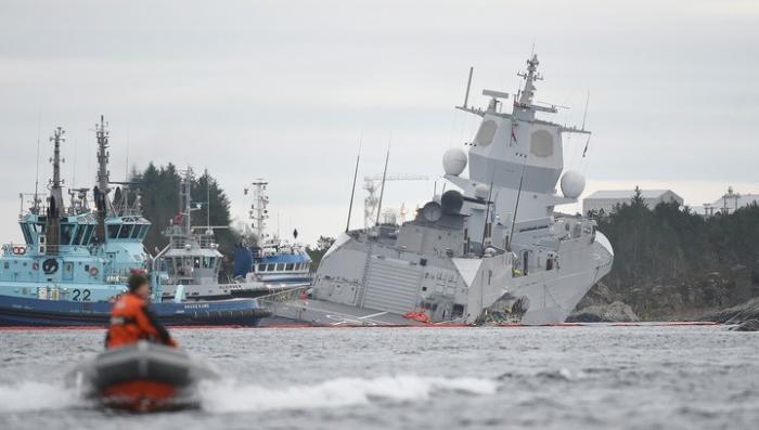 Норвежский фрегат на учениях НАТО протаранил танкер, последствия катастрофические