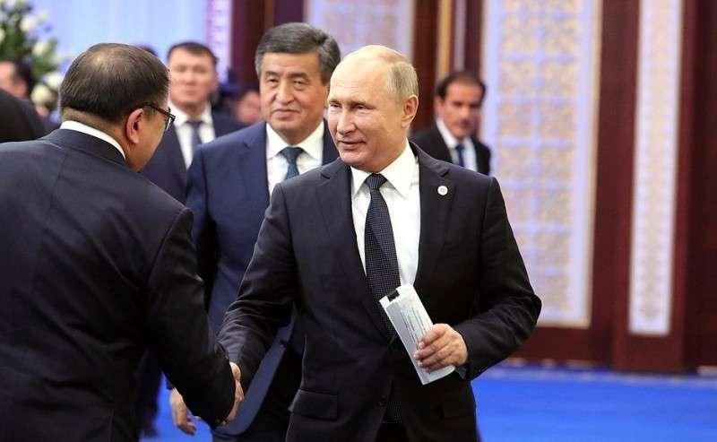 Перед началом заседания Совета коллективной безопасности ОДКБ врасширенном составе.