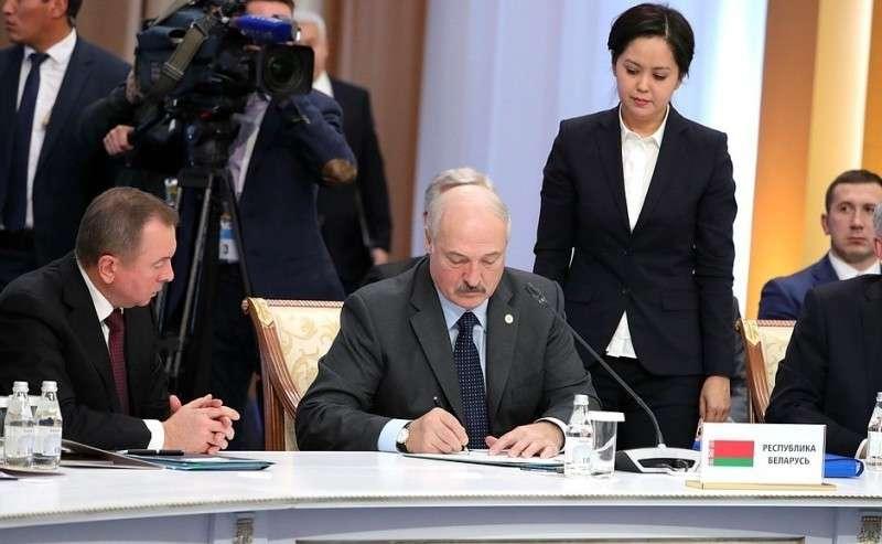 Поитогам саммита главы делегаций государств– членов ОДКБ подписали Декларацию Совета коллективной безопасности Организации Договора околлективной безопасности. Президент Белоруссии Александр Лукашенко.