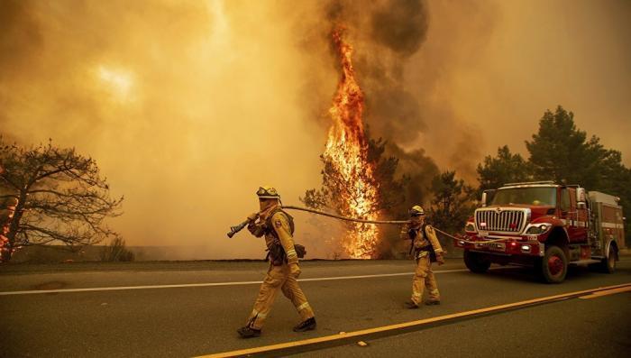 В Калифорнии от лесного пожара сгорел город