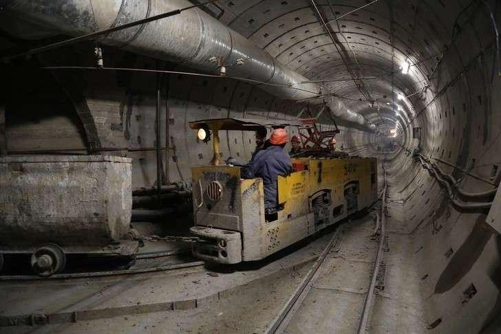 Питербург, метро: строительство станции «Горный институт»