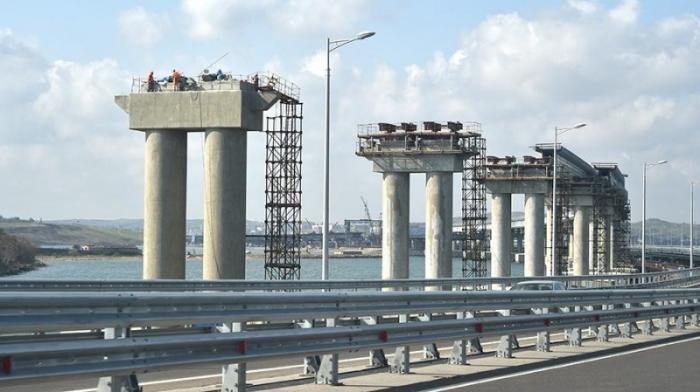 Крымский мост соединили с первым пролетом со стороны Керчи