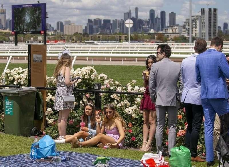 День Леди на Мельбурнском Кубке в Австралии – лицо «просветлённого» Запада