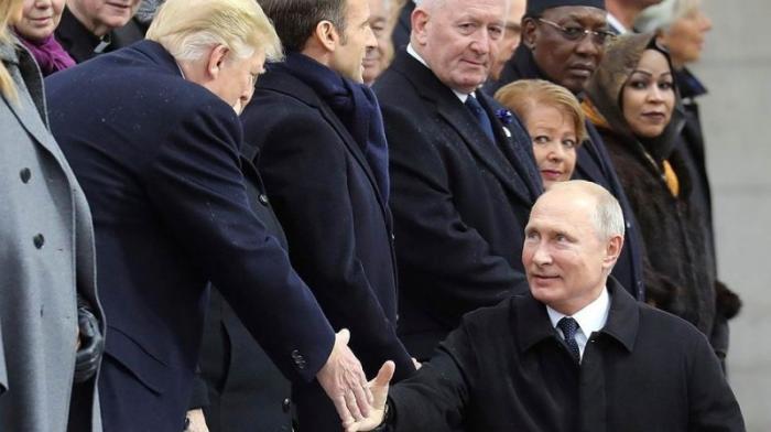 Визит Владимира Путина в Париж: говорить там решительно не с кем