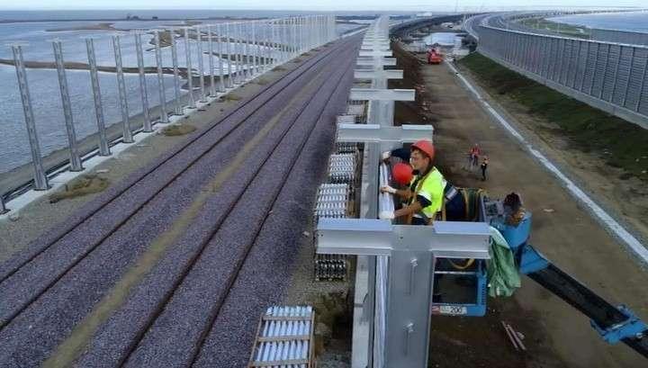 Крымский мост. Завершено возведение опор железнодорожной части моста