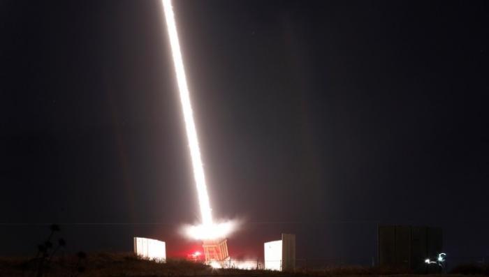 Израиль начал массовую бомбардировку сектора Газа: есть жертвы