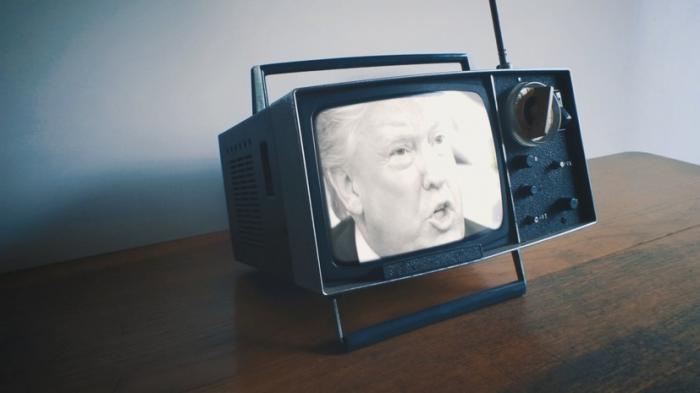 В Англии тысячи семей всё ещё продолжают смотреть чёрно-белые телевизоры