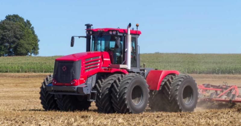 Французские СМИ: до санкций, Россия покупала тракторы, а теперь продает свои в США и ЕС