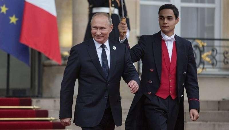Великая французско-европейская армия. Владимир Путин одобряет