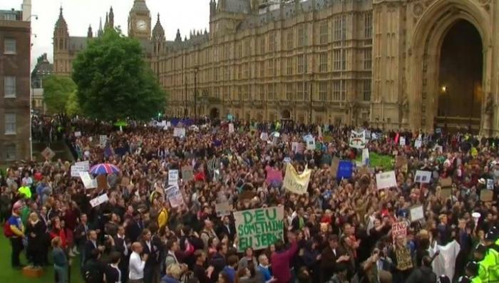 Брексит: пять часов агрессивных переговоров британского парламента