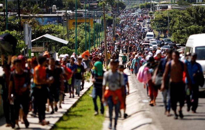 На границе США и Мексики начались стычки с мигрантами