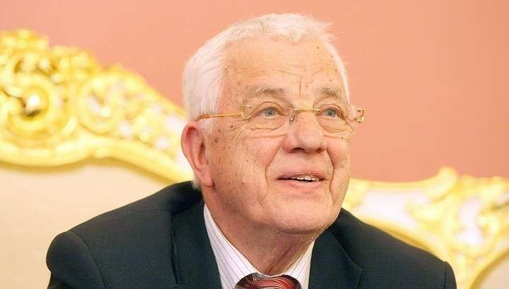 Из Латвии уезжают все, у кого есть деньги, даже «патриот» Раймонд Паулс