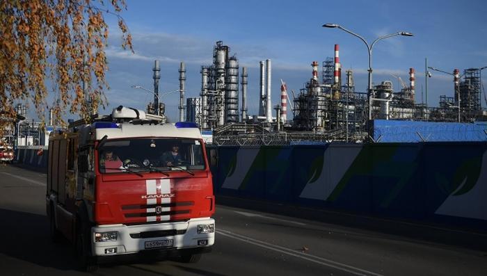 Пожар на НПЗ в Москве. Названа причина аварии