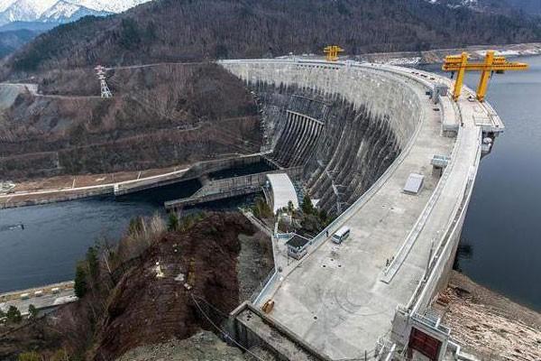 ВТаджикистане самая высокая в мире Рогунская ГЭС выдала первые мегаватты электроэнергии