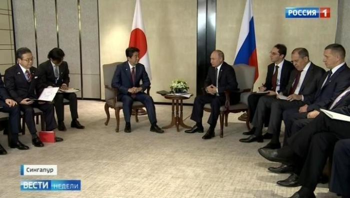 Саммит стран АСЕАН в Сингапуре: Путин и Абэ перешли на «вы»