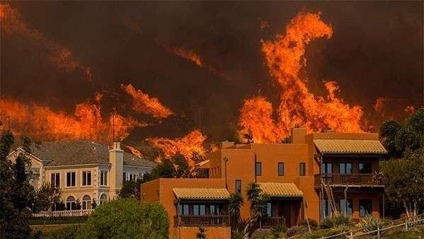 Пожары в Калифорнии. Сгорел ядерный полигон. Страшные кадры