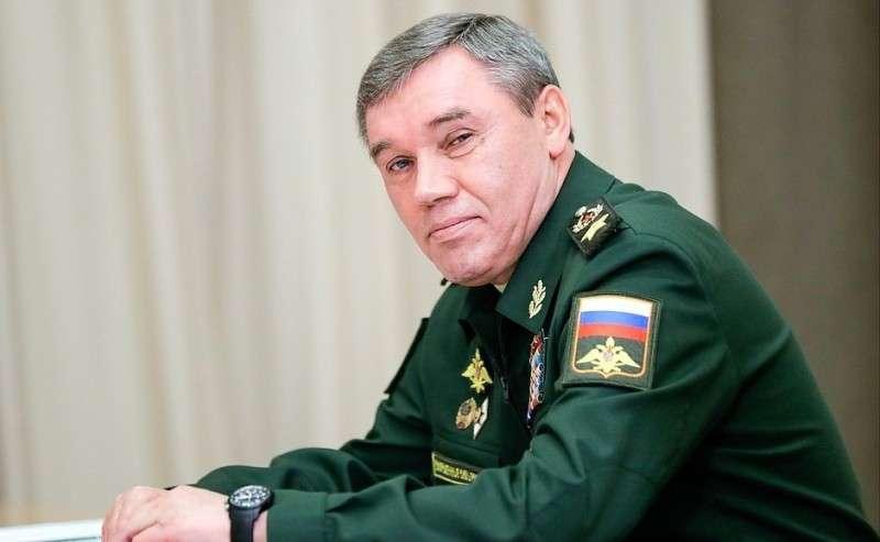 Начальник Генерального штаба Вооружённых Сил– первый заместитель Министра обороны Валерий Герасимов перед началом совещания сруководством Министерства обороны ипредприятий оборонно-промышленного комплекса.