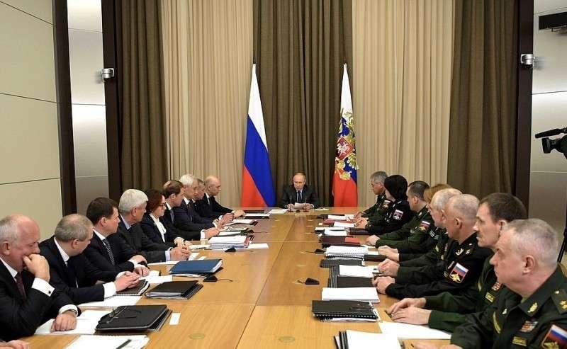 Совещание сруководством Министерства обороны ипредприятий оборонно-промышленного комплекса.