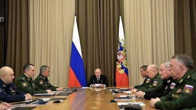 Совещание сруководством Министерства обороны ипредприятий ОПК