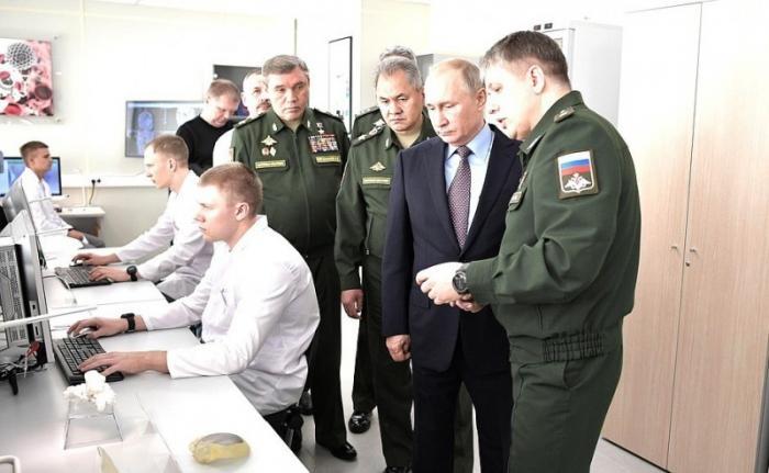 Владимир Путин посетил Военный инновационный технополис «Эра» в Анапе
