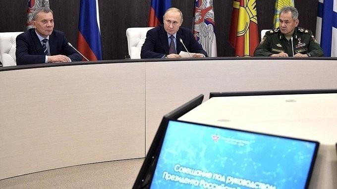 Владимир Путин провёл итоговое совещание сруководством Минобороны ипредприятий ОПК