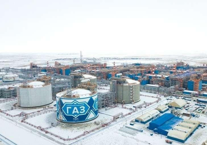 «Ямал СПГ» произвел первую партию газа натретьей линии завода