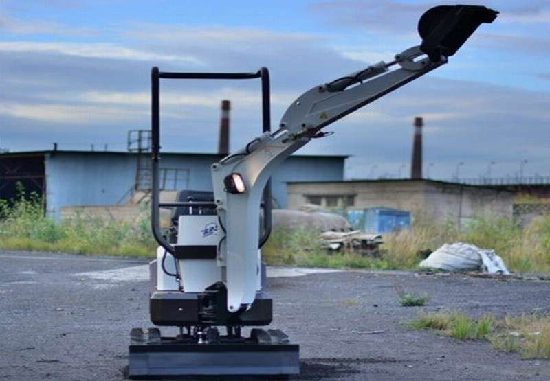 В Санкт-Петербурге открылся «Первый завод по изготовлению мини экскаваторов»