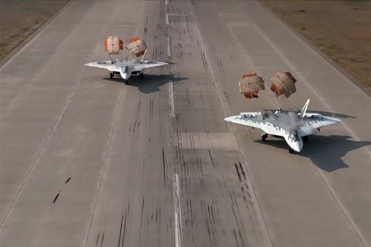 Синхронная посадка двух Су-57 выложили в сеть