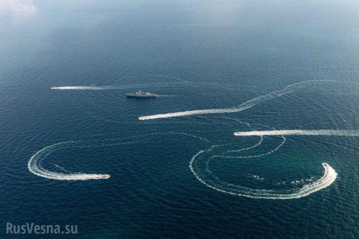 Ситуация на Азове: украинские корабли в территориальных водах России