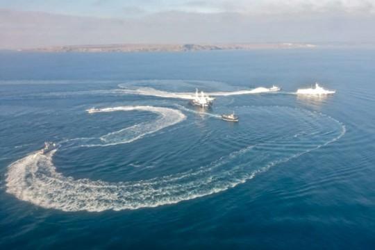Зачем была устроена провокация украинских кораблей в Черном море?