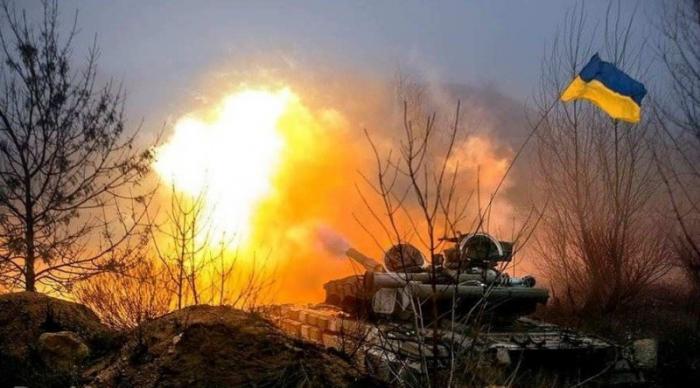 ВСУ начинают войну? Массированный обстрел ДНР под шум провокации в Керченском проливе
