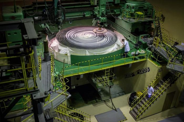 Лыткаринский завод поставил в Индию астрономическое зеркало для обсерватории