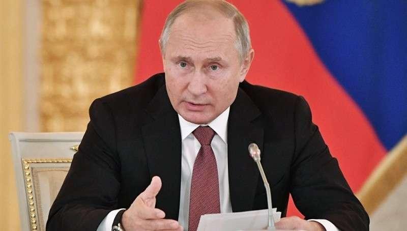 Владимр Путин потребовал изменить порядок распределения средств на научные исследования