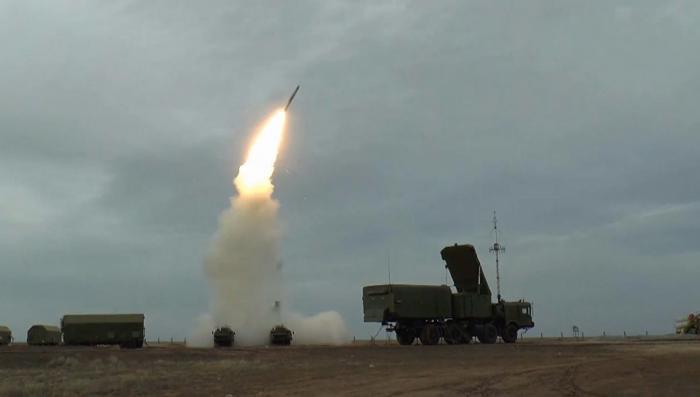 Видео стрельб комплексов С-400 «Триумф» под Астраханью