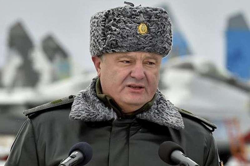 Военное положение на Украине: чего можно ожидать от хунты?